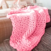 Chunky Knitted Handmade Thick Blanket Hand Yarn Bulky Knit Throw Sofa Blanket for Bedroom Living Room Pink 1.8kg 100*120CM