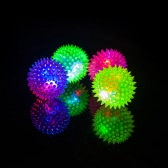 2pcs Elastic LED Light-up Spike Ball Pet Dog Cat Molar Rubber Flash Ball Entertained Toy