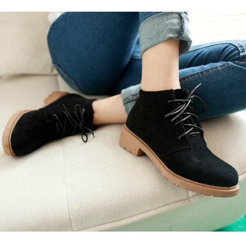 Only US$9.92 New Vintage Women Ankle Boots Lace Up Flat Heel