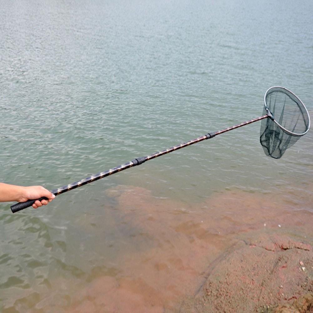 La pêche sur la rivière blanc sur altae